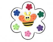 דבורה בפרח