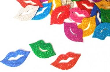 נשיקות נוצץ צבעוני