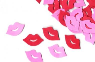 נשיקות סול ורוד אדום