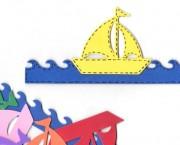 סירה על הגלים